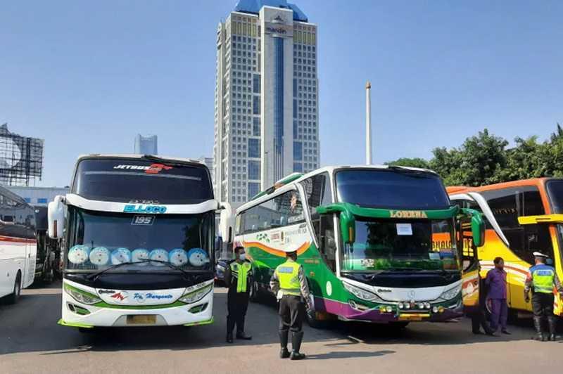 36 Bus dan 10 Unit Travel Gelap Diamankan