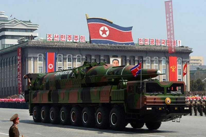 Ada Apa Ini Kok Sampai Tampilkan Rudal Balistik, Korea Utara Gelar Parade Militer pada Malam Hari