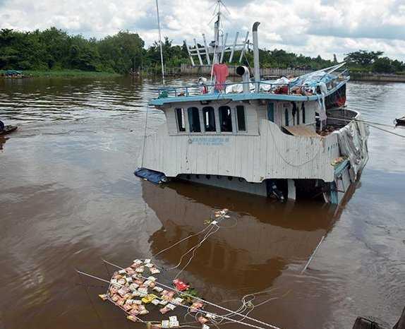 Amuk Cuaca, 17 Kapal Tenggelam dalam Semalam