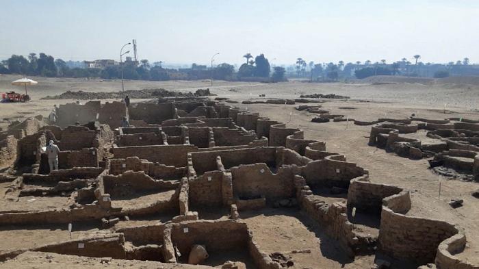 Arkeolog Mesir Temukan 110 Makam Kuno