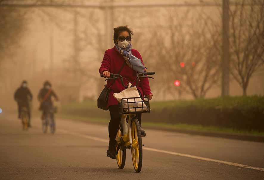 Badai Pasir Landa Tiongkok Utara