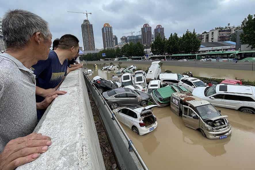 Banjir dan Longsor Landa Tiongkok Tengah