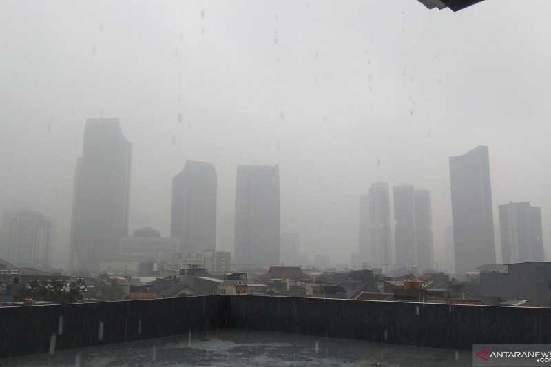 Di Rumah Saja, Prakiraan Cuaca BMKG Sebut Sebagian Wilayah Jakarta Diguyur Hujan Sabtu
