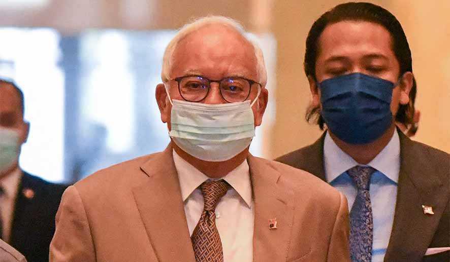Eks PM Malaysia Terancam Pailit