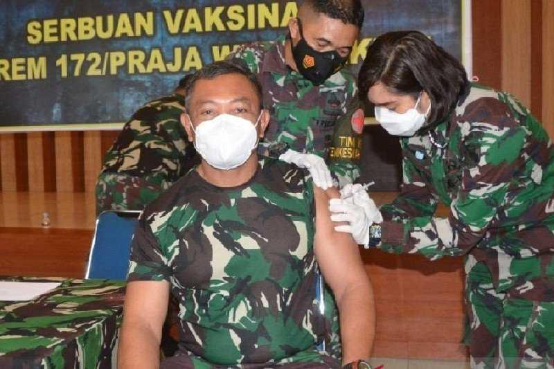 Empat Anggota TNI yang Terluka Akibat Ditembak KKB di Pegunungan Bintang Dievakuasi