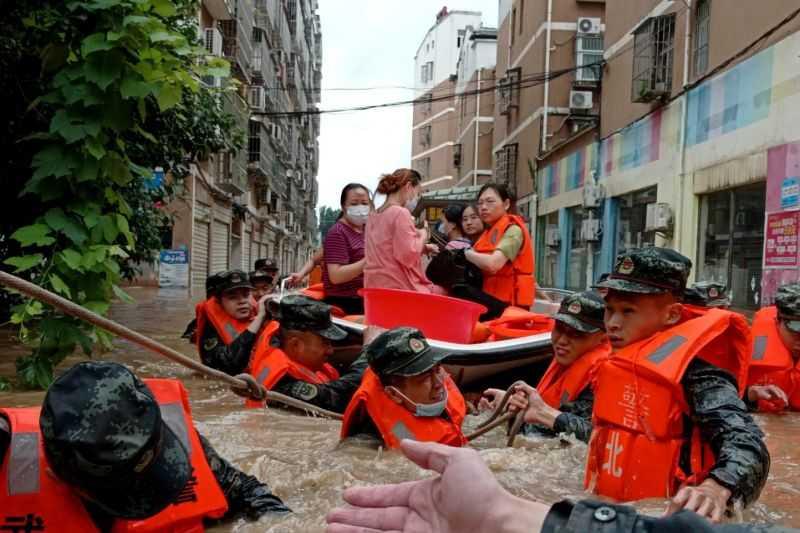 Gawat, Ada Apa Ini Sampai 54.000 Warga Tiongkok Dievakuasi dan Ribuan Proyek Ditutup