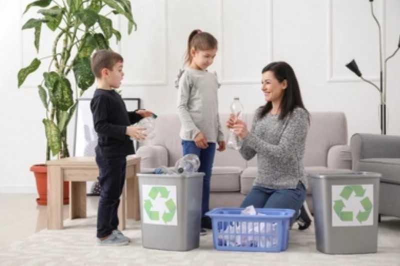 Isi Kegiatan Inovatif di Rumah Saja dengan Membangun Kesadaran Peduli Sampah Pada Anak dengan 3R