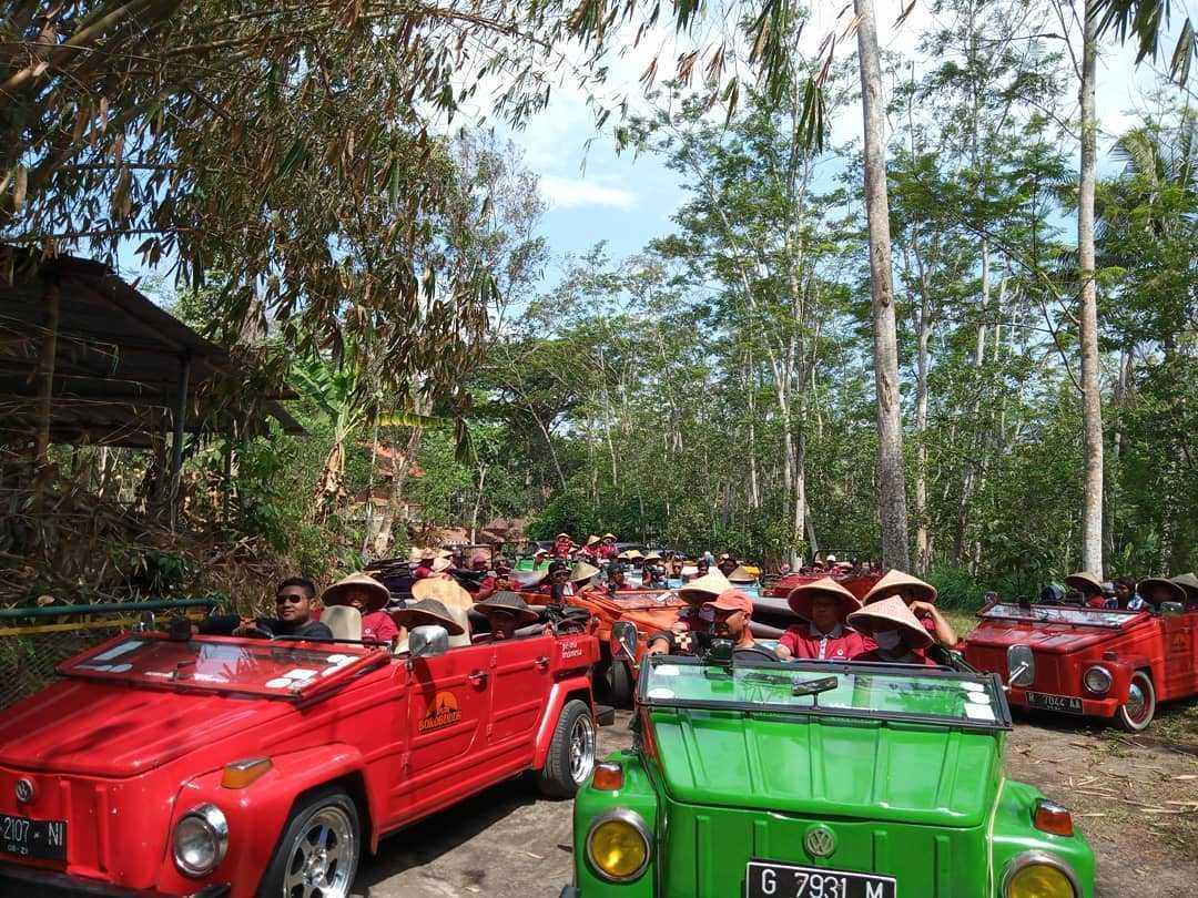 Jelajah Alam dengan VW Safari