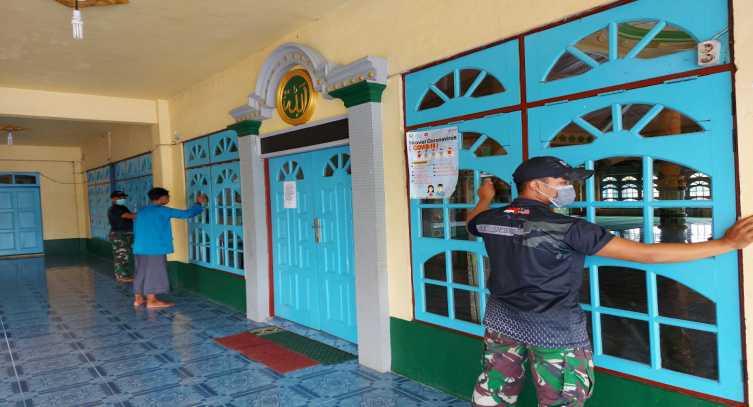 Jelang Tarawih Digelar, 5 Prajurit TNI Datangi Musala, Ternyata Sungguh Mulia yang Dilakukannya