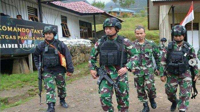 Jenderal Tempur Kopassus Satroni Pos Komandan Kompi TNI di Pegunungan Bintang Papua