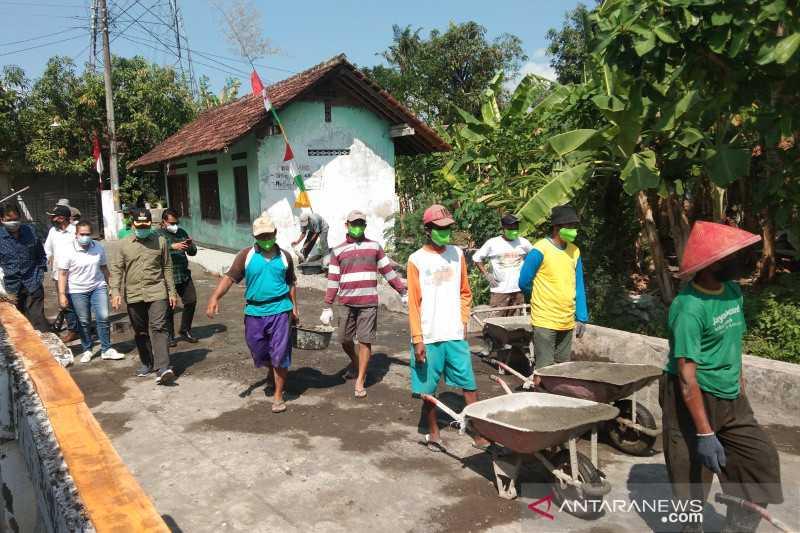 Keren, Ini Warga Bantul yang Ikut Pembangunan Infrastruktur Desa Padat Karya Tetap dengan Prokes