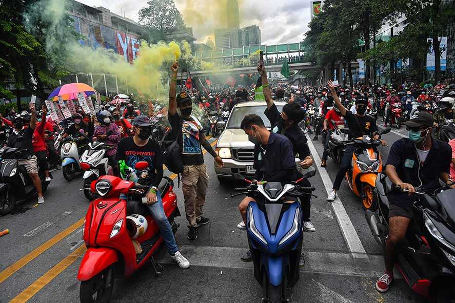 Konvoi Warga Protes PM Prayut