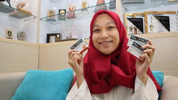 Mahasiswi Indonesia Kembangkan Plester Anti Diabetes dari Tandan Kelapa Sawit