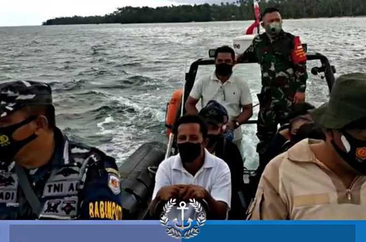 Mantap, Dengan Gunakan Sea Rider Prajurit TNI AL Antar Jemput Warga di Pulau Pulau untuk Divaksin