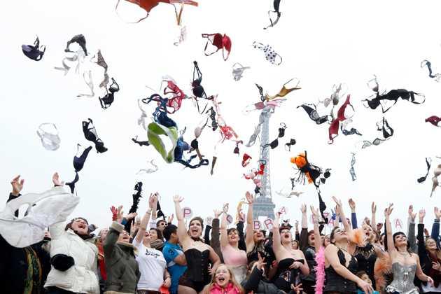 No Bra Day Gerakan Kewaspadaan Kanker, Bukan Pamer Payudara