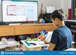 Orang Tua Harus Matikan HP dan TV Agar Anak Konsentrasi Belajar