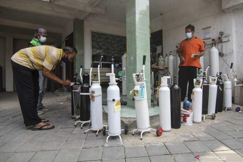 Pemerintah Bersiap Impor Tabung Oksigen untuk Pasien Covid-19 di Rumah Sakit