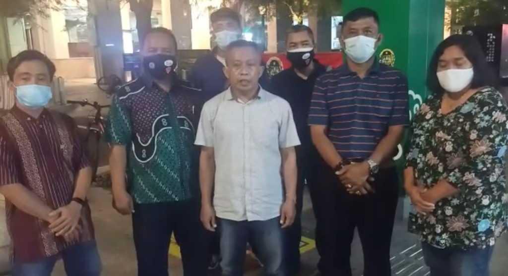 Pengibaran Bendera Putih Tanda Menyerah Di Malioboro, Suara Pedagang Terbelah