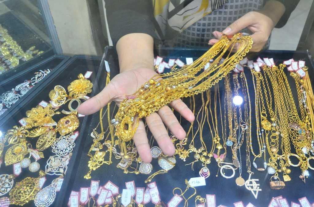 Penjualan Emas Naik
