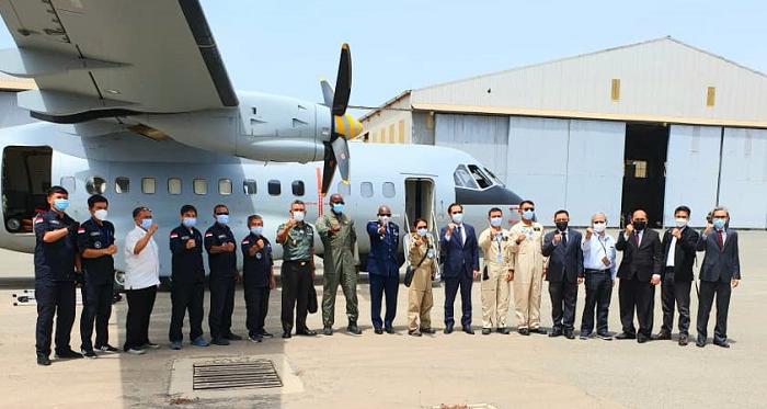 Perkuat Kerja Sama, Dubes RI Sambut Ketibaan Pesawat CN-235 di Senegal