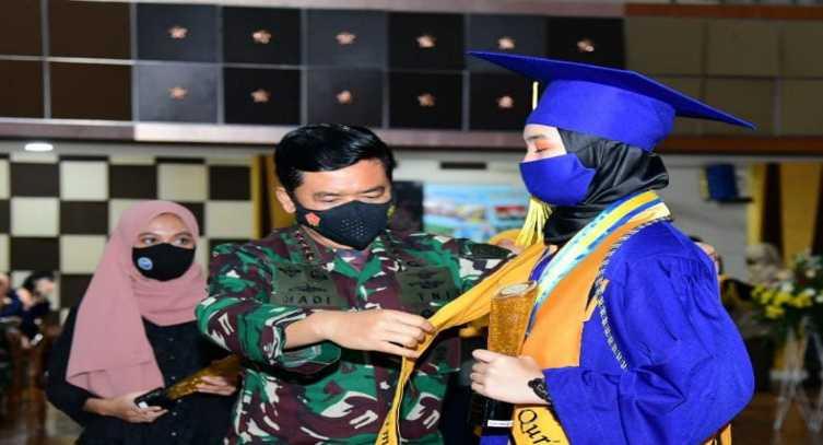 Pesan Panglima TNI di Acara Wisuda Siswa SMA Pradita Dirgantara Angkatan ke-1