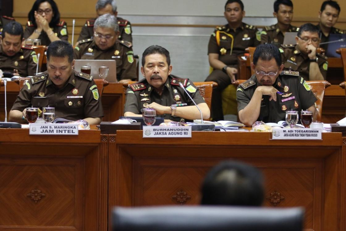 Jaksa Agung di Komisi III DPR