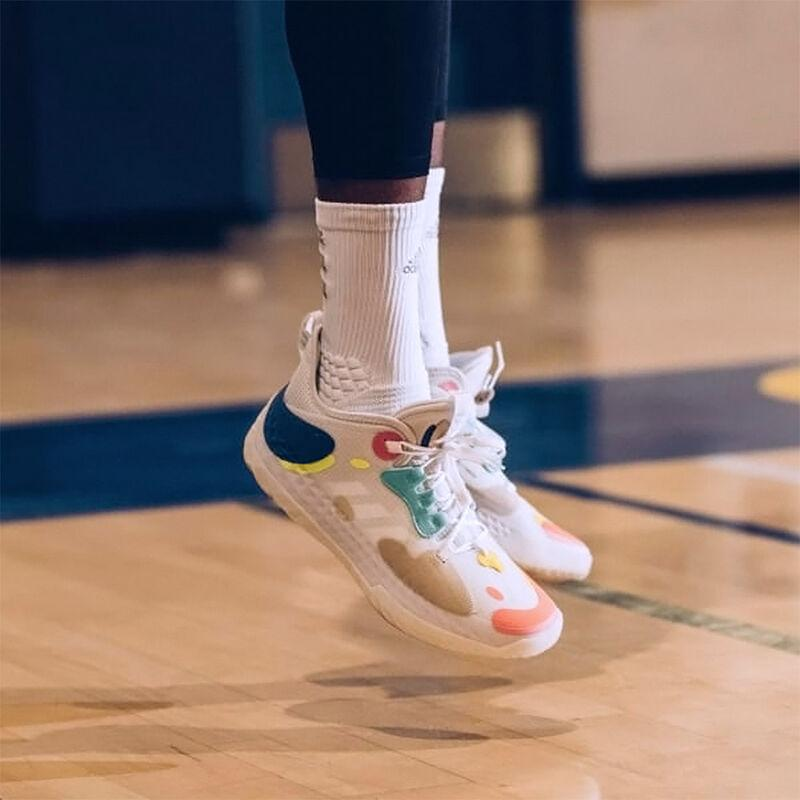Sepatu Adidas Future Natural Dibuat Tanpa Jahitan