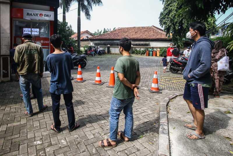 Ribuan KK di DKI Terima Bantuan Sosial Tunai