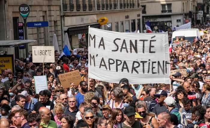 Ribuan Protes Vaksinasi Wajib di Prancis