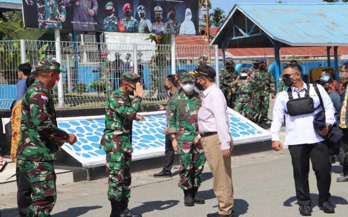 Sejumlah Jenderal Sambut Mahfud MD di Papua