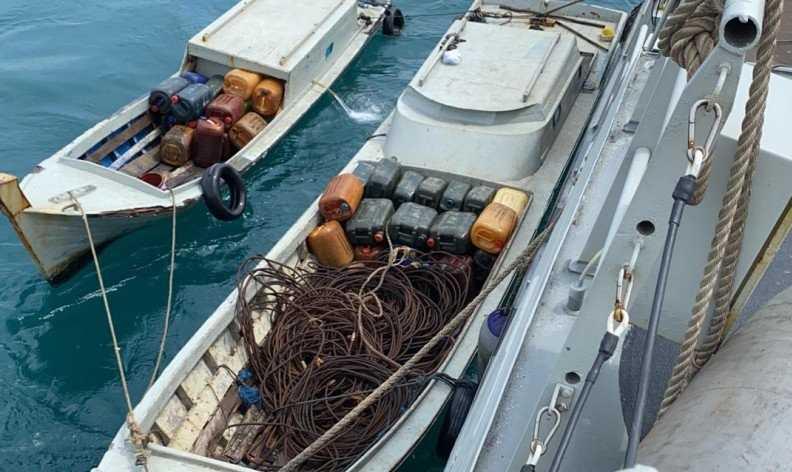 Setelah Melalui Aksi Kejar-kejaran di Laut, TNI AL Tangkap Pencuri di Selat Singapura