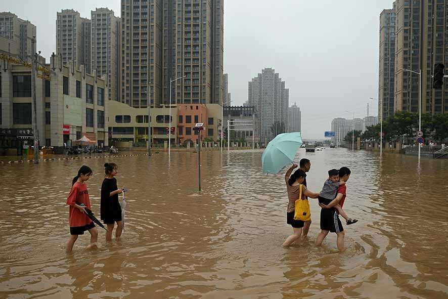 Topan Perparah Banjir di Tiongkok