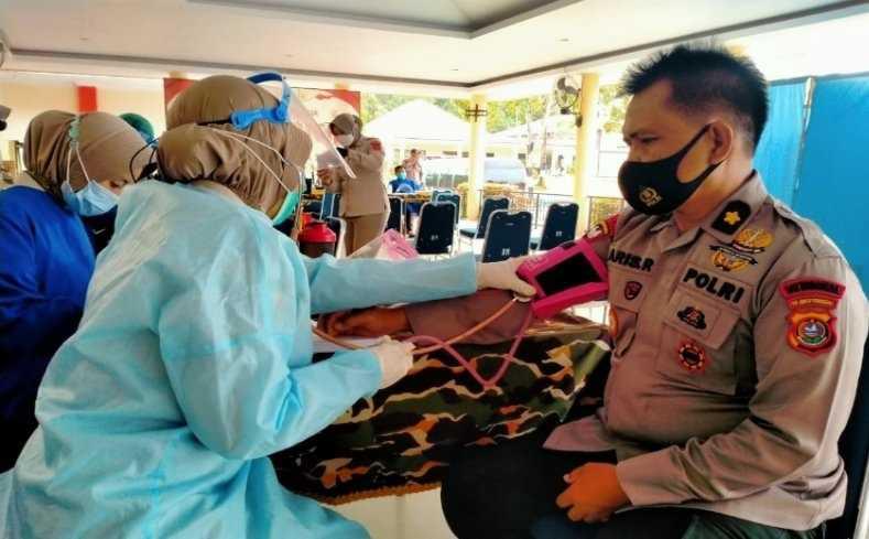 Vaksinasi Petugas Publik di Sultra Mencapai 8,57 Persen dari Sasaran