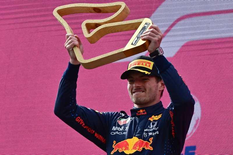 Verstappen Raih Tiga Kemenangan Beruntun