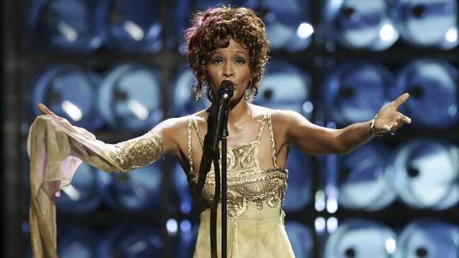 Whitney Houston Akan Konser, Bekarkah?